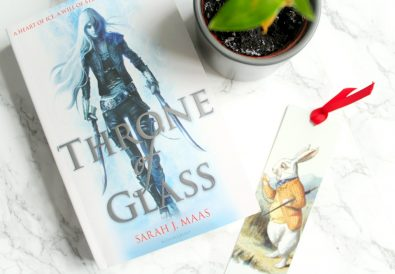 sarah j mass throne of glass book review