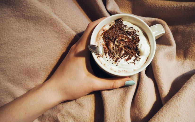 beverage-blanket-caffeine-672657 (1)