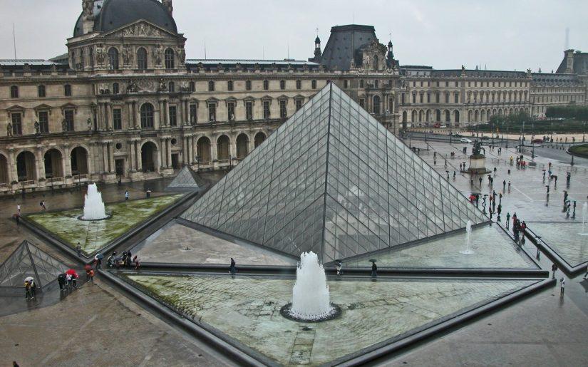 Louvre Paris credit Holidu