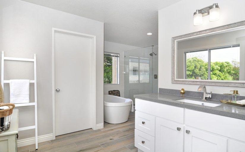 bathroom-4130000_1920
